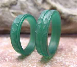 槌目風の凹凸柄の結婚指輪 ワックス