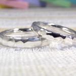 槌目風の甲丸の指輪 (結婚指輪)