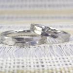 槌目風のリング(結婚指輪)