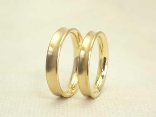 凹面 (逆R面) のシンプルな結婚指輪