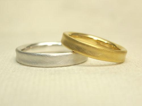 やさしいフォルムの結婚指輪 02