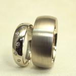 ドッツ風の結婚指輪