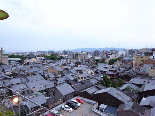 京都でビアガーデン 祇園を上から撮影