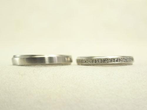 プラチナのシンプルな結婚指輪 01