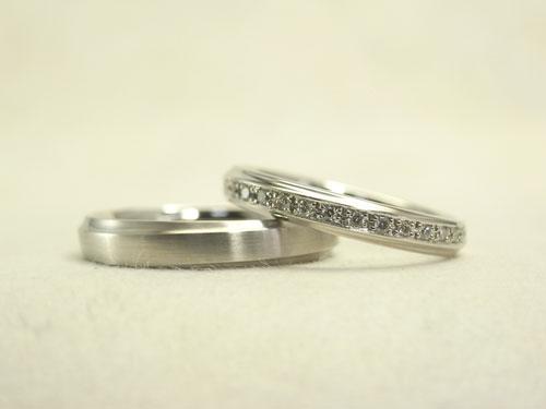 プラチナのシンプルな結婚指輪 02