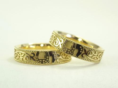馬蹄の結婚指輪 01