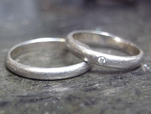 刻印を消さずにカルティエの結婚指輪のサイズ直し 01