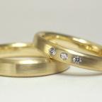 シンプルなゴールド結婚指輪