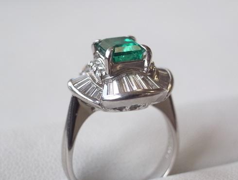 エメラルドの指輪 サイズ直しの前