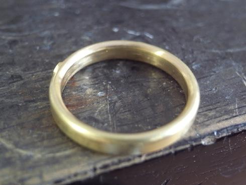 シンプルな結婚指輪のサイズ直し05
