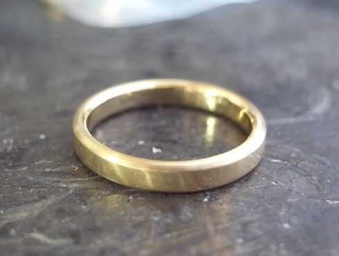シンプルな結婚指輪のサイズ直し07