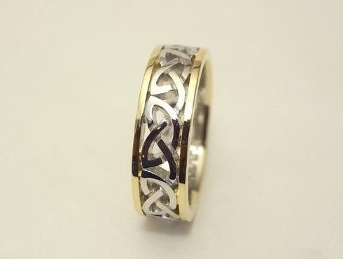 コンビのケルティックノット模様の指輪 03