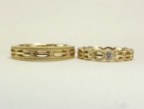 透かしのアンティーク調の結婚指輪 01