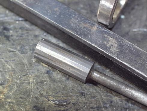 結婚指輪の新品加工で綺麗にするための工具
