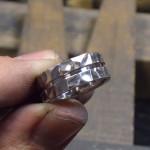 槌目風の結婚指輪、もうすぐ完成です (^^)