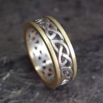 コンビのケルティックノット模様の指輪(Pt900、18K)
