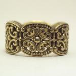 アンティーク風のエスニック柄の結婚指輪