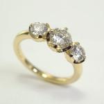 オーダーメイドでダイヤ3個付きの婚約指輪を製作