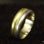 指輪の修理と加工(2本の結婚指輪を溶接して1本にする)