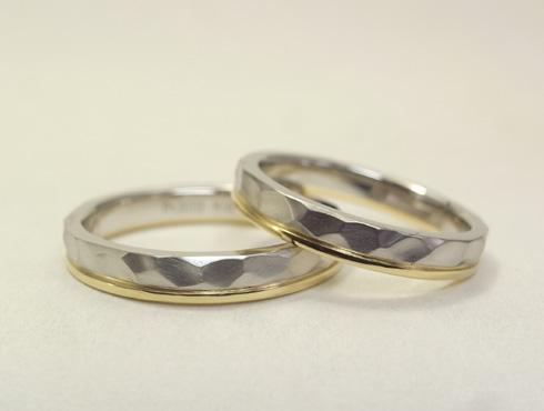 槌目風の凹凸柄の指輪(コンビ)