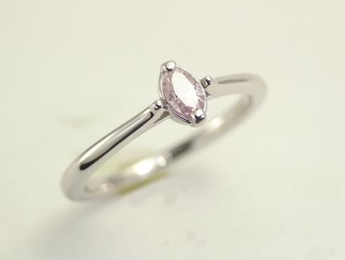 マーキスカット ピンクダイヤの婚約指輪 01