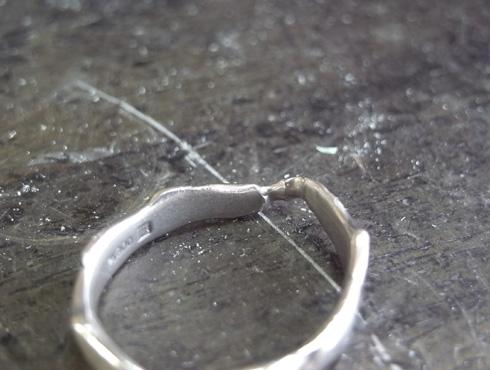 俄の結婚指輪を変形直し、サイズ直し 10