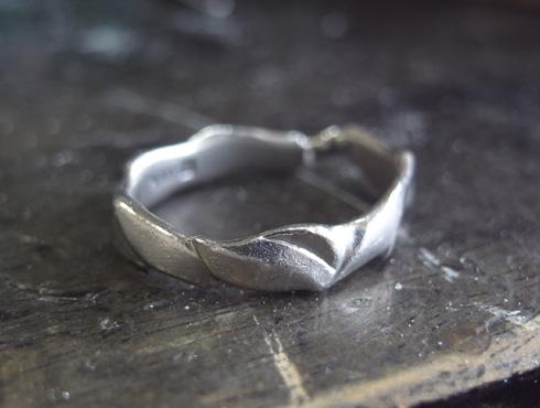 俄の結婚指輪を変形直し、サイズ直し 14