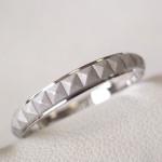 ピラミッドスタッズ柄の結婚指輪の変形直しと新品加工