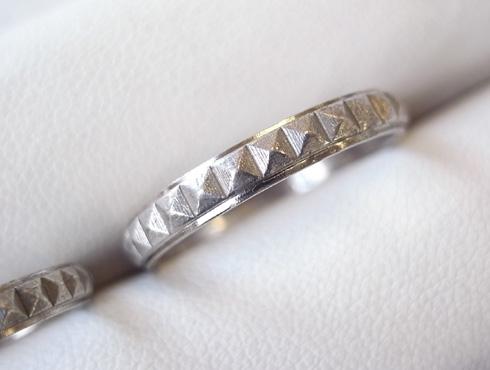 ピラミッドスタッズ柄 結婚指輪の変形直しと新品加工01