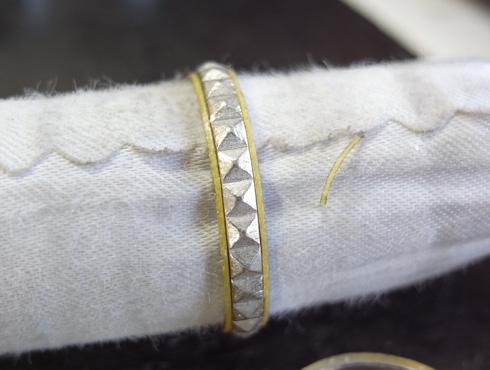 ピラミッドスタッズ柄 結婚指輪の変形直しと新品加工03