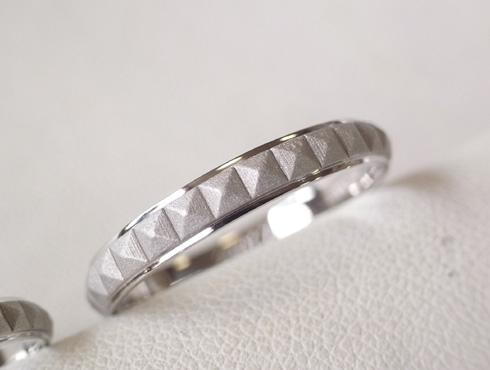 ピラミッドスタッズ柄 結婚指輪の変形直しと新品加工06