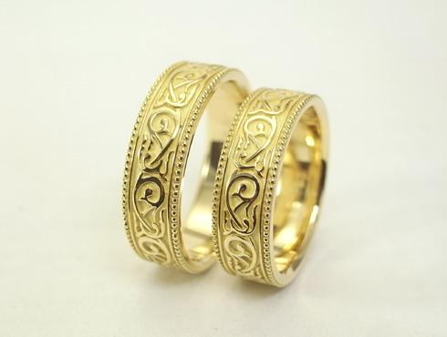 アンティーク調(唐草、ミル打ち)の結婚指輪 05
