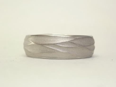 手作り感のある結婚指輪 01