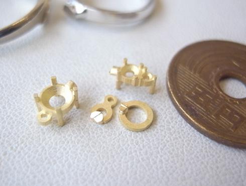 ダイヤが3個付ペンダント 02