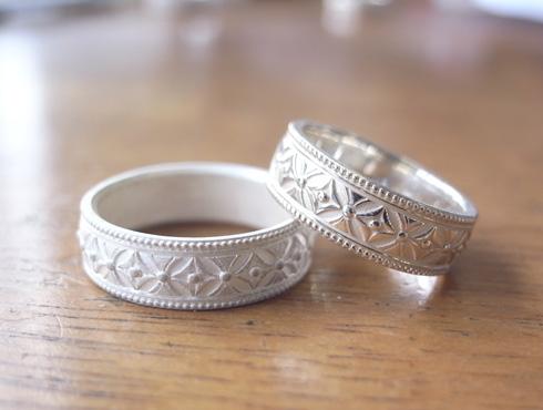 七宝柄の結婚指輪