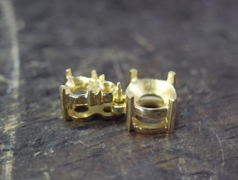 ダイヤ3個付きペンダントの製作工程 04