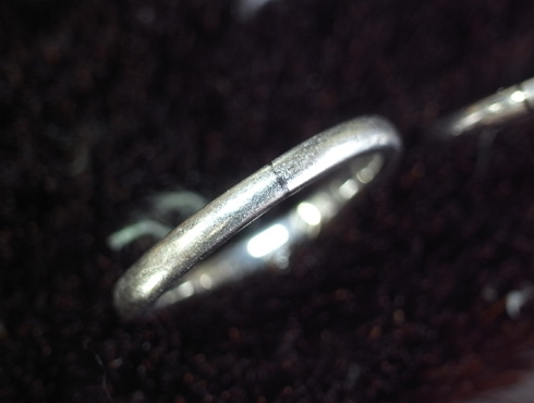 俄の結婚指輪、婚約指輪のサイズ直し 04
