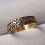 オリジナルの唐草模様の結婚指輪