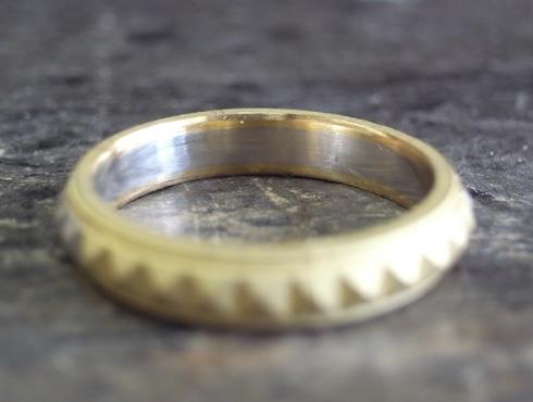ピラミッドスタッズ柄の結婚指輪 製作過程 04