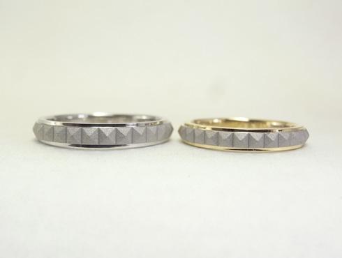 ピラミッドスタッズ柄の結婚指輪(18K/Pt900) 01