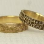 アンティーク風の結婚指輪(パルメット文様)