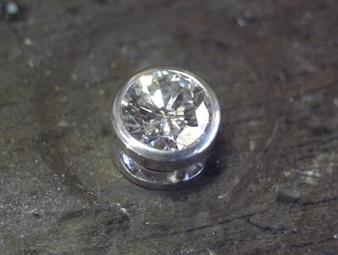 シンプルなダイヤ1粒ペンダント 製作過程 08