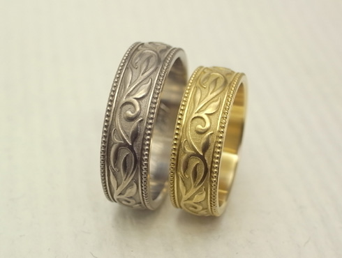 アンティーク調の唐草模様の結婚指輪 01