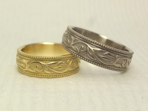 アンティーク調の唐草模様の結婚指輪 04