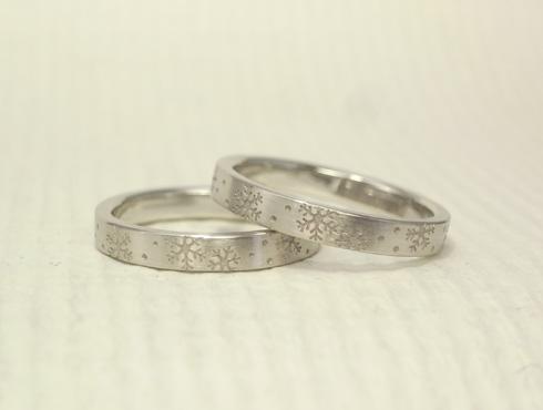 雪の結晶の結婚指輪 02