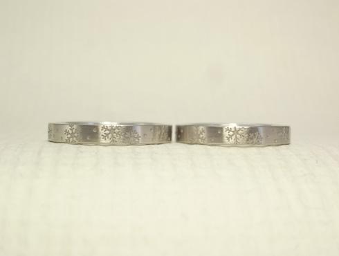 雪の結晶の結婚指輪 03