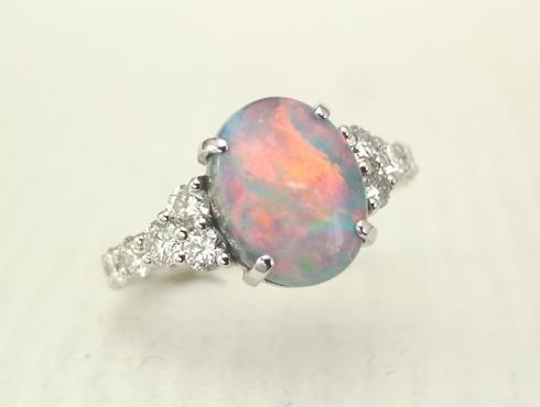 オパールとダイヤのリング 01