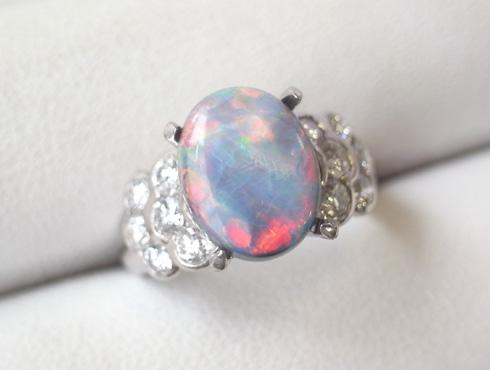 リフォーム前のオパールとダイヤのリング