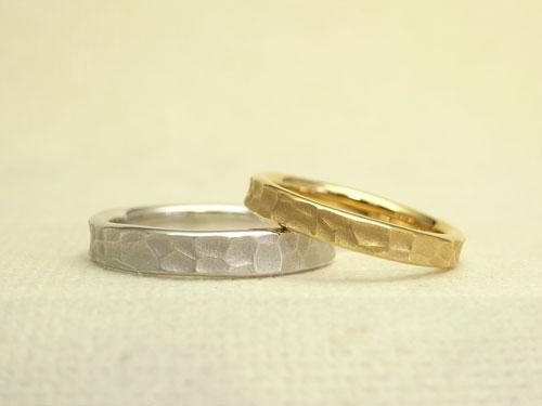 アトリエエッグのオリジナル 槌目風の結婚指輪