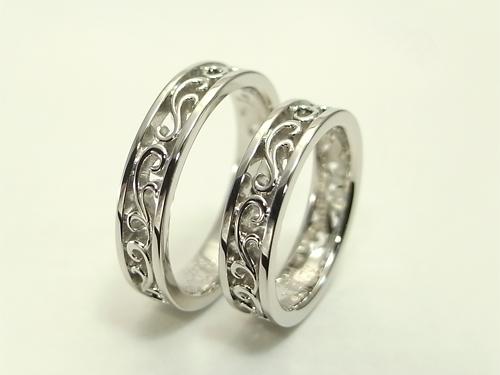 以前製作した、透かしの唐草模様の結婚指輪